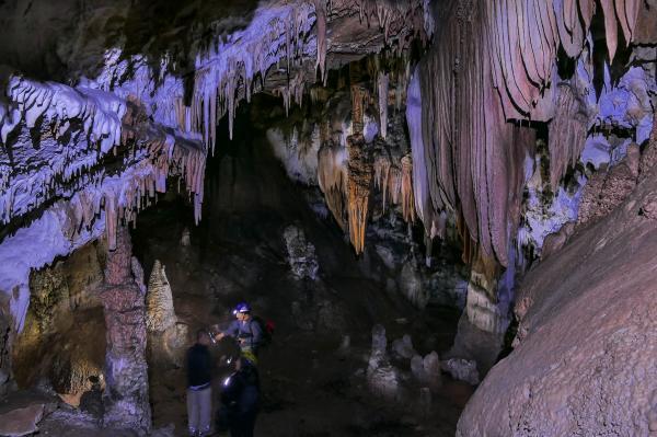 Las cuevas más grandes del mundo - Las cuevas más grandes de España