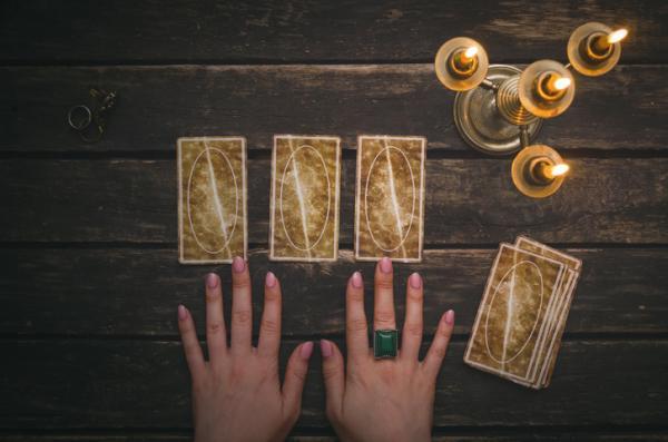 Tarot de 3 cartas - ¡Descúbrelo aquí!