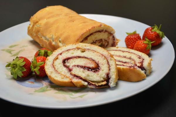 5 dulces típicos de Navidad en Inglaterra - Jam Roly-Poly, un postre típico de Inglaterra