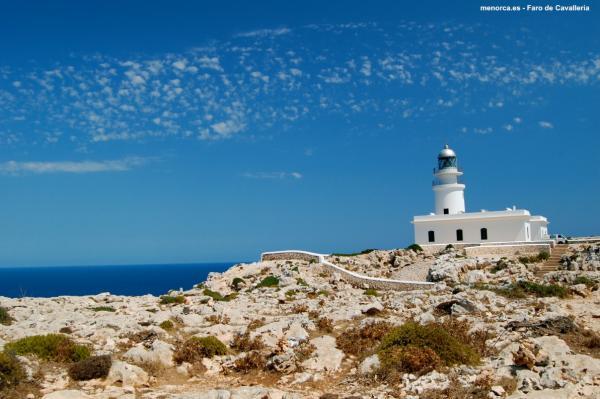 Dónde ver el mejor atardecer en Menorca - Faro de Cavallería, Menorca