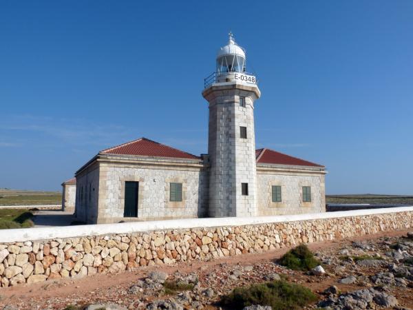 Dónde ver el mejor atardecer en Menorca - Faro de Punta Nati, ideal para ver el atardecer en Menorca