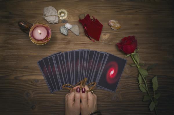 Tarot del amor: tiradas y cómo encontrarlo - Qué es el tarot del amor