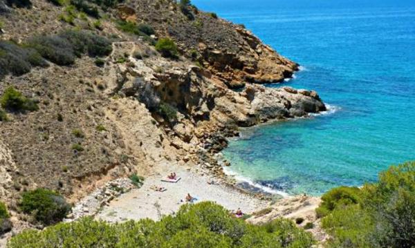 Playas bonitas en Alicante provincia - Cala Tío Ximo (Benidorm)