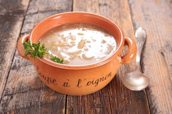 Platos típicos de Francia - La soupe à l'oignons (sopa de cebolla)