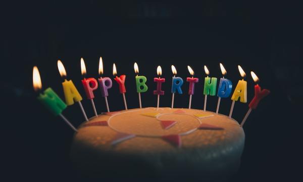 Ideas de decoración para cumpleaños de adultos - La iluminación para decorar un cumpleaños de adultos