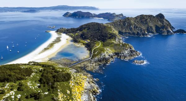 Los mejores destinos para viajar con niños en España - Islas Cíes, uno de los lugares para visitar con niños en España