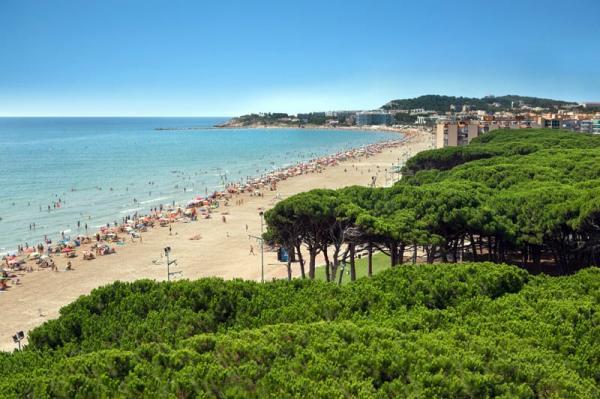 Playas bonitas cerca de Barcelona - Playa de La Pineda