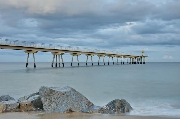Playas bonitas cerca de Barcelona - Playa del Puente del Petróleo