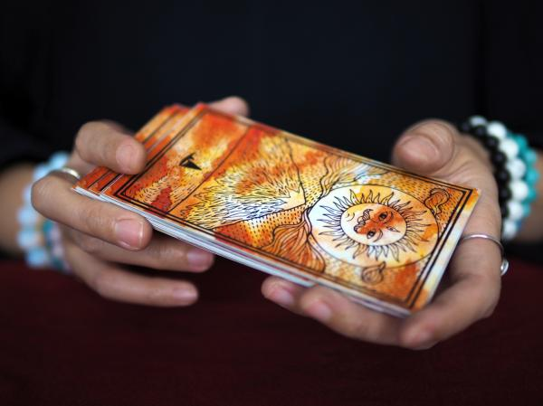 Tarot de los ángeles: qué es y cómo interpretarlo - Cómo se interpreta el tarot de los ángeles