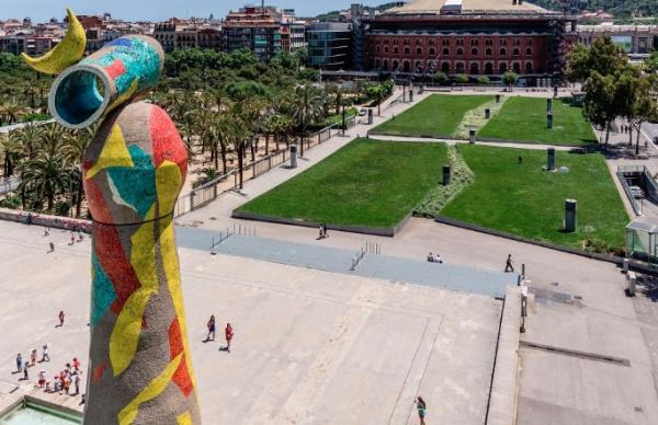 Dónde jugar al ping pong en Barcelona - Parque de Joan Miró, un espacio tranquilo en el Eixample