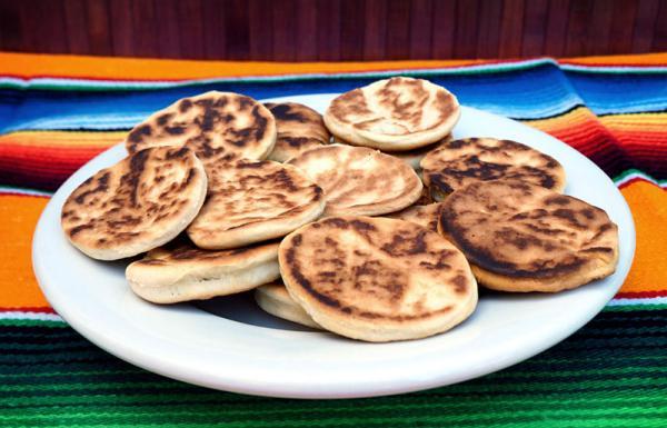 Dulces típicos de Navidad en México - Gorditas de nata, otro postre navideño mexicano