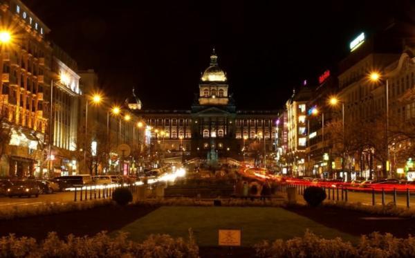 Los 5 mejores mercadillos de navidad en Praga - Mercado de la Plaza de Wenceslao