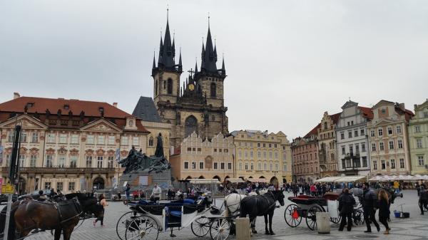 Los 5 mejores mercadillos de navidad en Praga - Mercado de la Plaza del Casco Antiguo