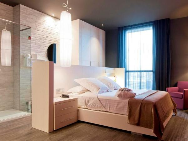 Hoteles románticos para parejas en Barcelona - Hotel SB Plaza Europa