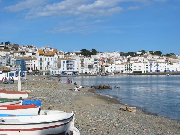 8 pueblos de Cataluña con encanto - Cadaqués, un sitio de Cataluña imprescindible de visitar