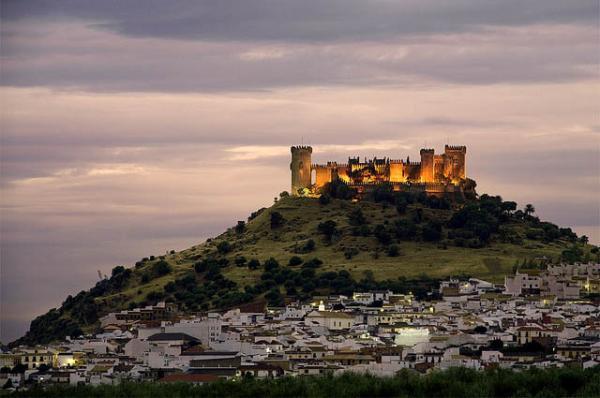 6 pueblos con encanto en Andalucía - Almodóvar del Río, uno de los mejores pueblos de Andalucía