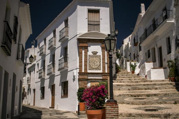 6 pueblos con encanto en Andalucía - Frigiliana y su merecido título como