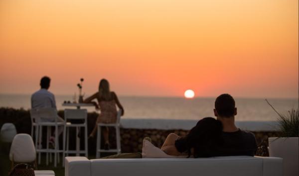 Dónde ver el mejor atardecer en Menorca - Eolo Chillout Sunset Bar