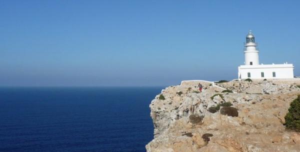 Dónde ver el mejor atardecer en Menorca - Faro de Cavalleria