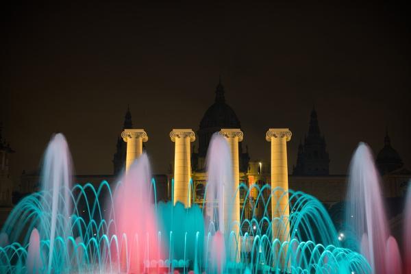 Qué hacer en Barcelona - La fuente de colores de Montjuic