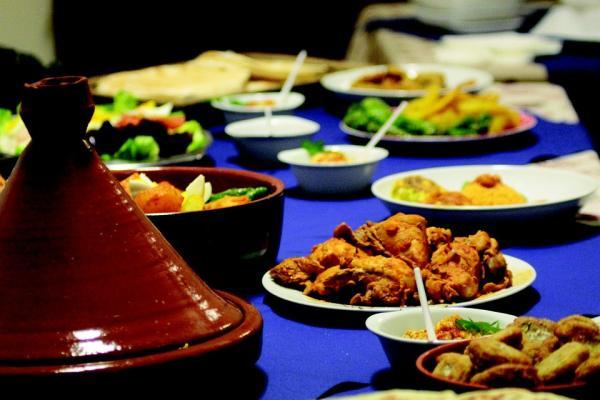 Resultado de imagen de La Maakouda y la comida de los puestos ambulantes