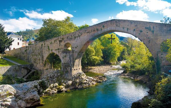 5 pueblos de Asturias con encanto - Cangas de Onís, la puerta a Covadonga