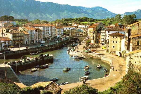 5 pueblos de Asturias con encanto - Llanes, los acantilados y las playas más espectaculares