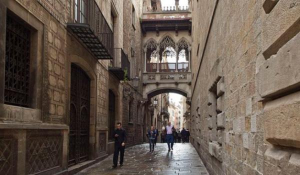 Sitios para hacer fotos en Barcelona - Pont del Bisbe