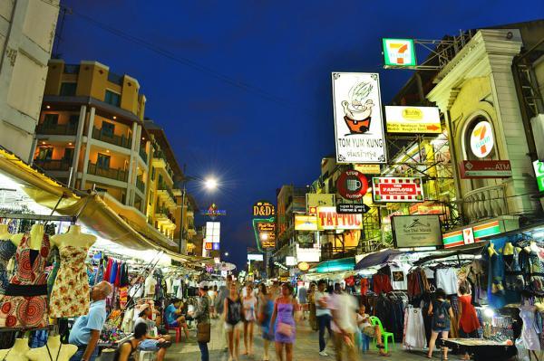Dónde comer insectos en Tailandia - Khaosan Road, el sitio para comer insectos en Bangkok